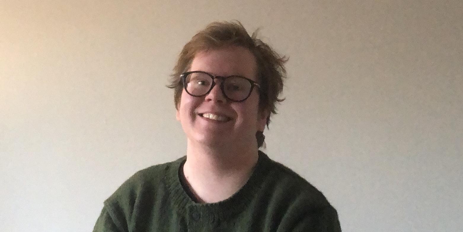 Samuel Loimu hymyilee
